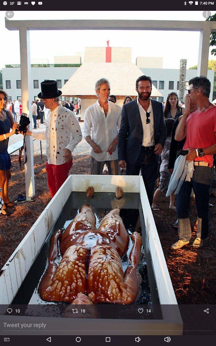 ■死体を見てニッコニコの・・・■