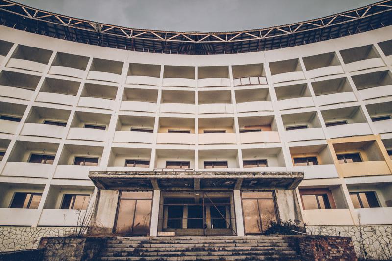 20200811_abkhazia_abandoned_hotel-10.jpg