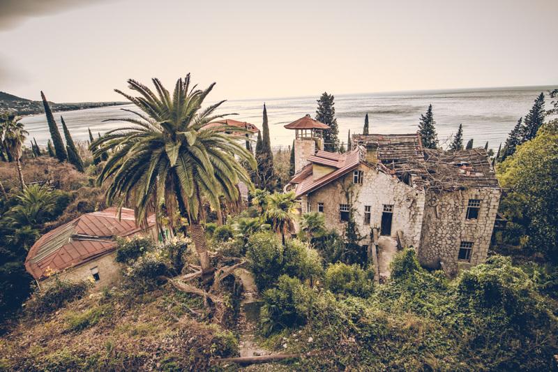 20200811_abkhazia_abandoned_hotel-11.jpg