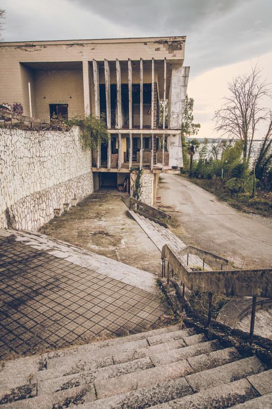 20200811_abkhazia_abandoned_hotel-4.jpg