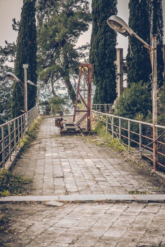 20200811_abkhazia_abandoned_hotel-5.jpg