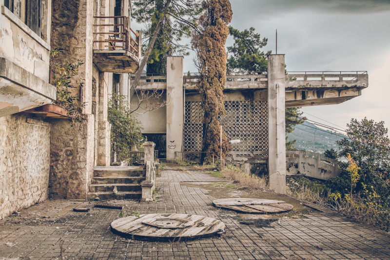 20200811_abkhazia_abandoned_hotel-6.jpg