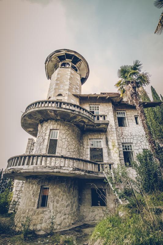 20200811_abkhazia_abandoned_hotel-7.jpg