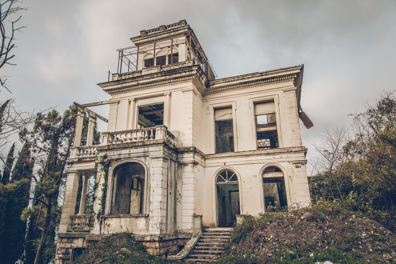 20200811_abkhazia_abandoned_house-2.jpg