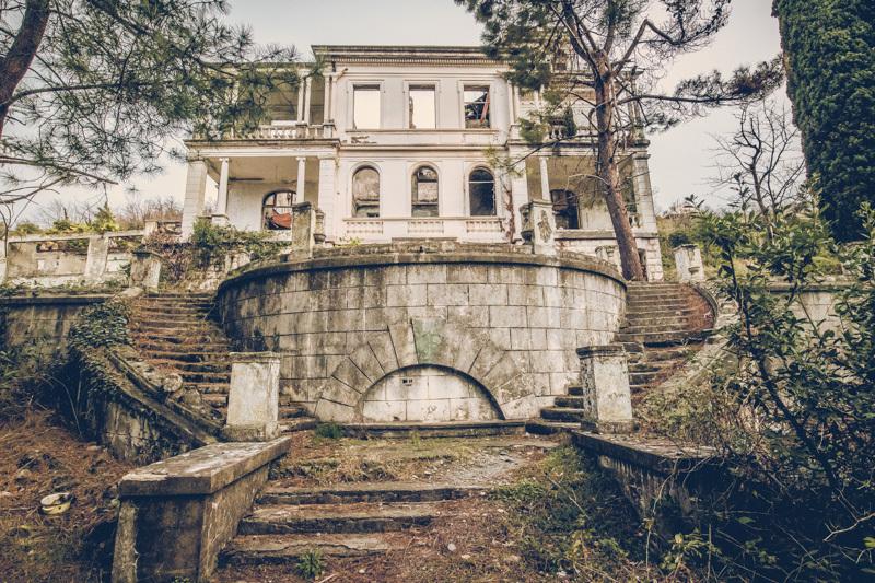 20200811_abkhazia_abandoned_house-4.jpg