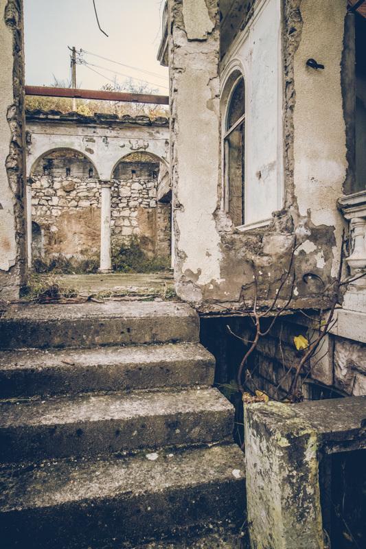 20200811_abkhazia_abandoned_house-5.jpg