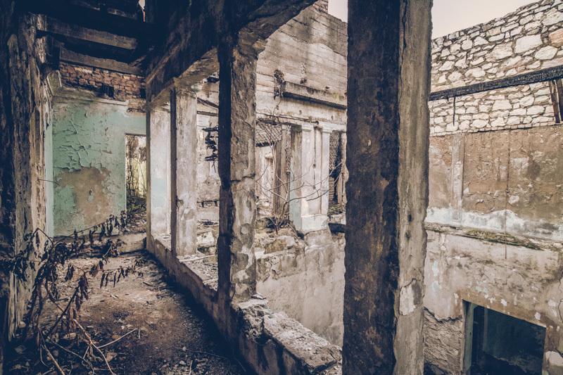 20200811_abkhazia_abandoned_house-9.jpg