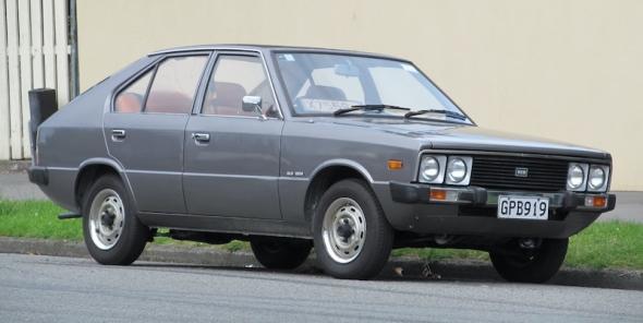 1982_Hyundai_Pony_GLS_(11868204214).jpg