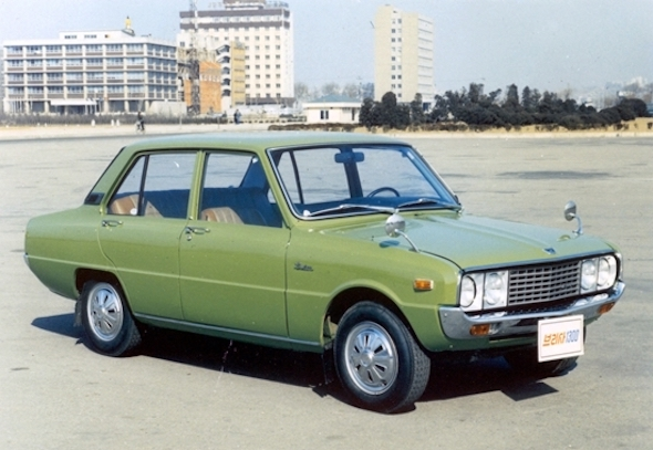 Kia-Brisa-four-door-sedan.jpg