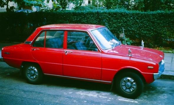 Mazda_1000_4_door.jpg