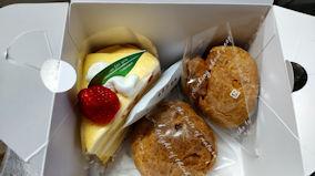 4/25 シュークリームとクレープケーキ シャトレーゼ