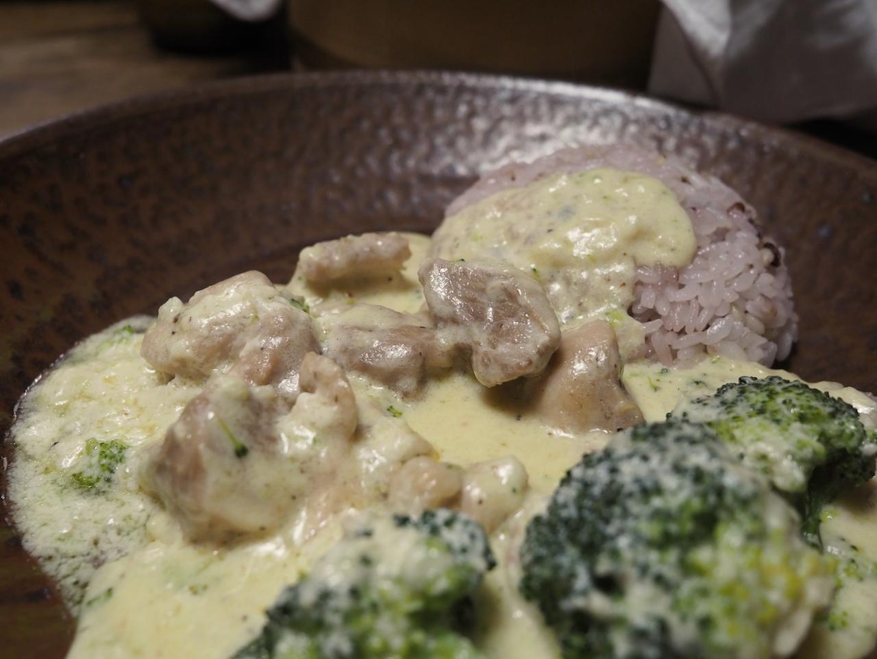 ■ シュクメルリ ジョージア料理