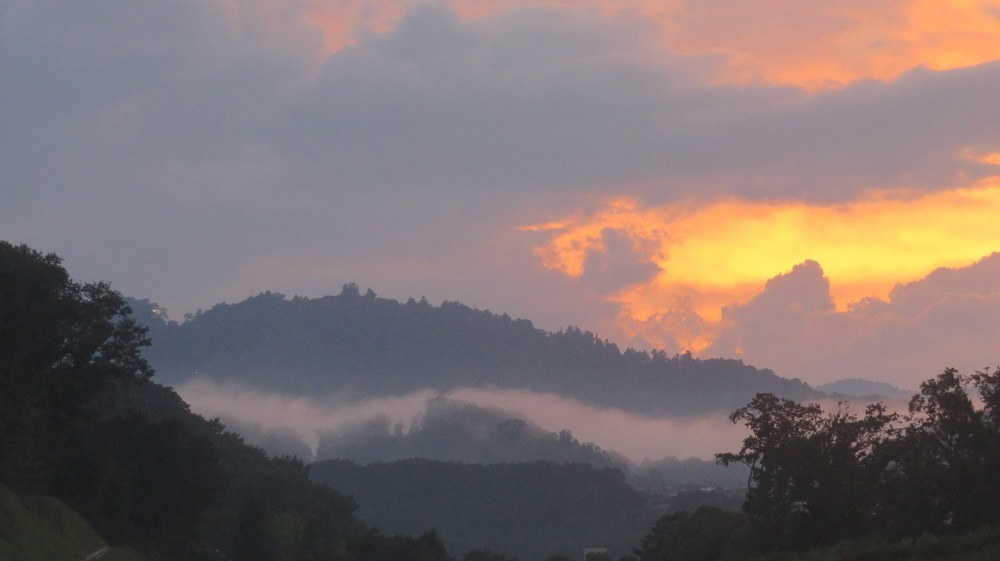 2雲が湧くIMG_6699