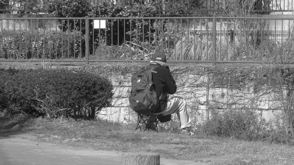 1カメラを構える男IMG_7381