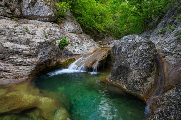 water-cascade-K3CU9HQ.jpg