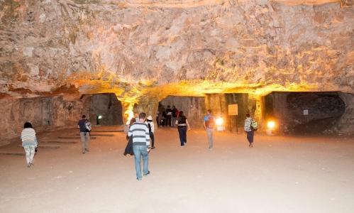 ゼデキアの洞窟