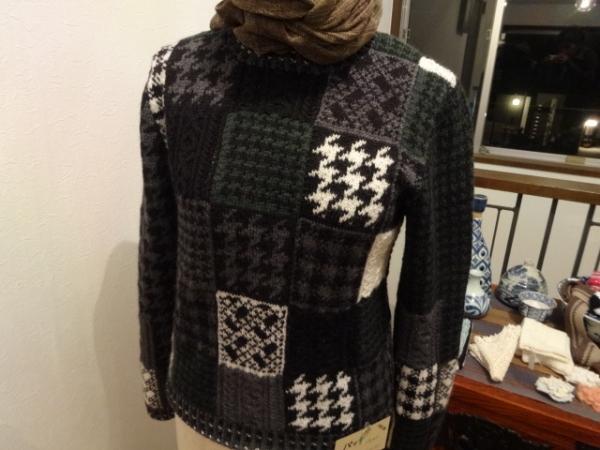 DSC00386千鳥格子のセーター