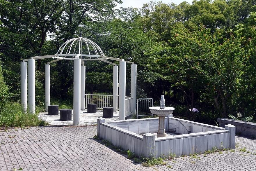 鶴見・トルコ庭園とバラ (0)