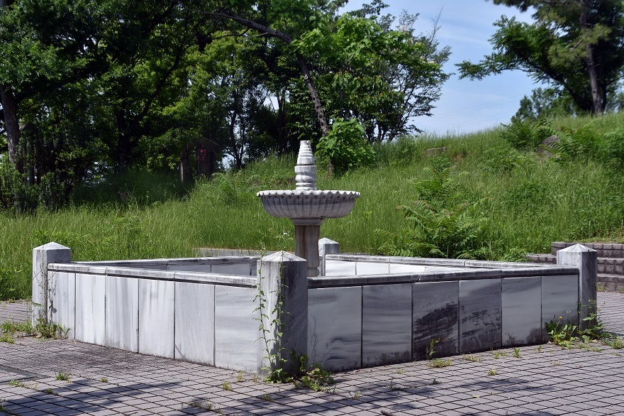 鶴見・トルコ庭園とバラ (9)