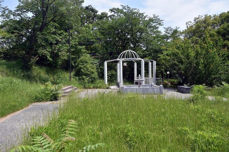 鶴見・トルコ庭園とバラ (13)