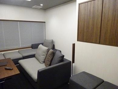 葬儀社控室