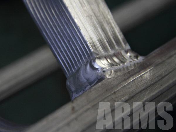 園芸用のアルミ三脚を修理する