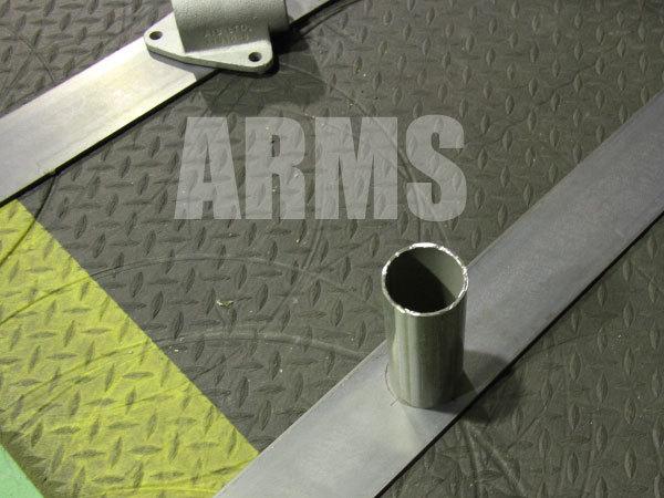 鉄板に単管パイプを溶接