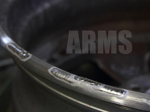 ホイールのリム傷をアルミ溶接にて修復