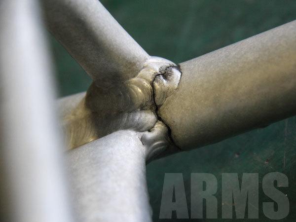 園芸用三脚のクラックをアルミ溶接修理