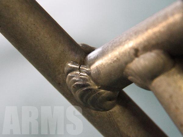 脚立のクラックを溶接修理