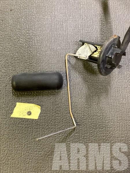 AF34の燃料センサーの分解