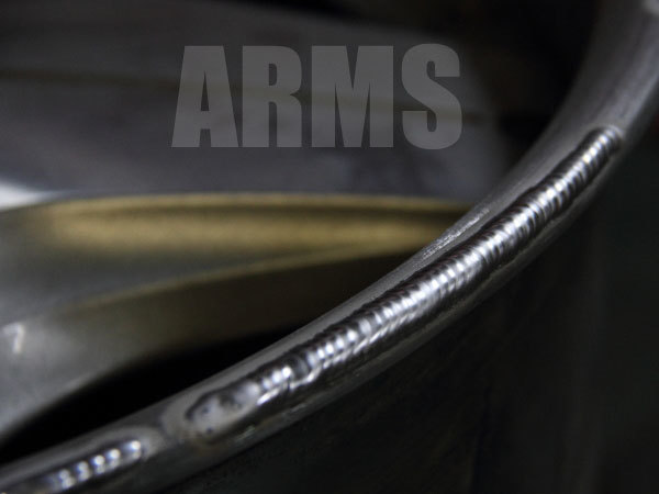 ホイールの傷をアルミ溶接で肉盛り修復