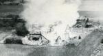 爆撃された民家