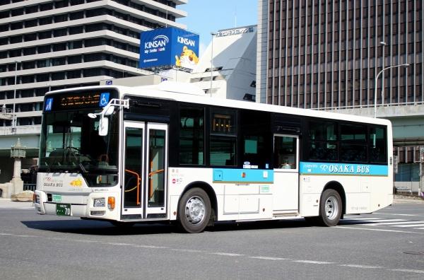 大阪230か・・70 82F57-765