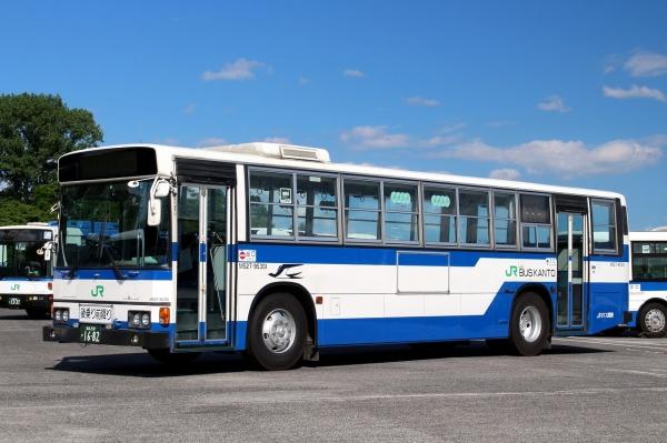 福島200か1682 M527-95301