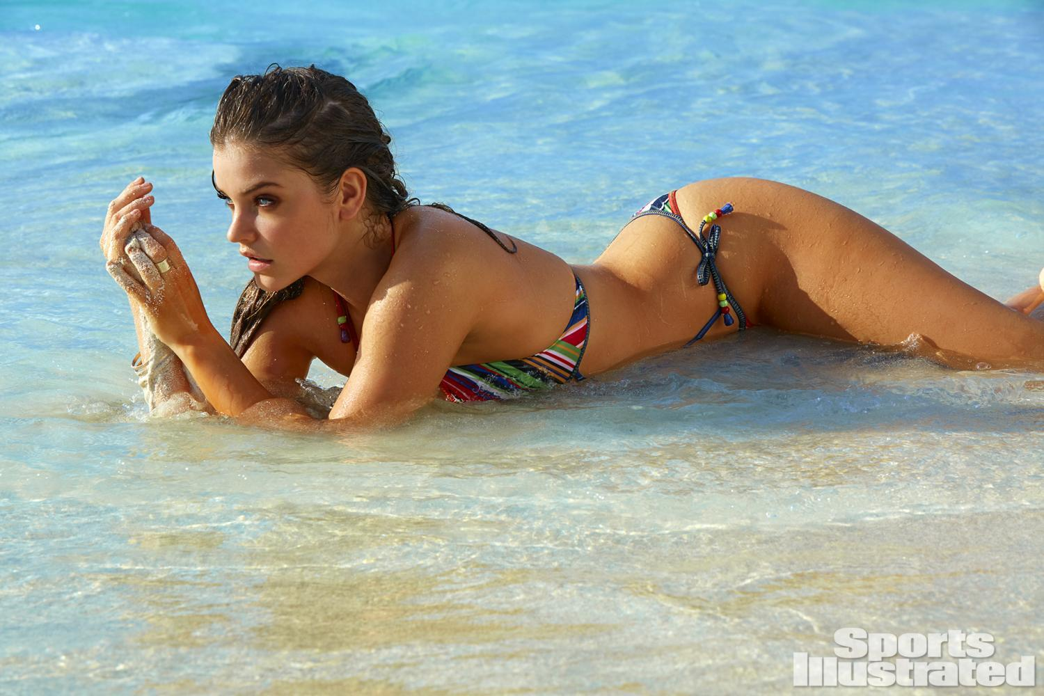 barbara-palvin-2016-photo-sports-illustrated-x160011_tk5_0616-rawwmfinal1920.jpg