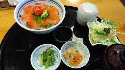 信州サーモン丼(道の駅 大桑)