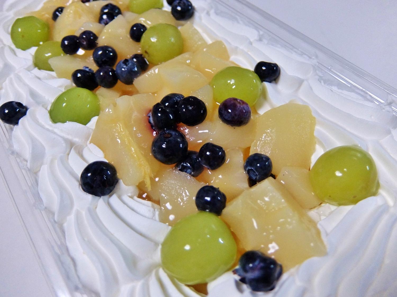 コストコ ◆ 洋ナシ スコップケーキ 1,298円也 ◆