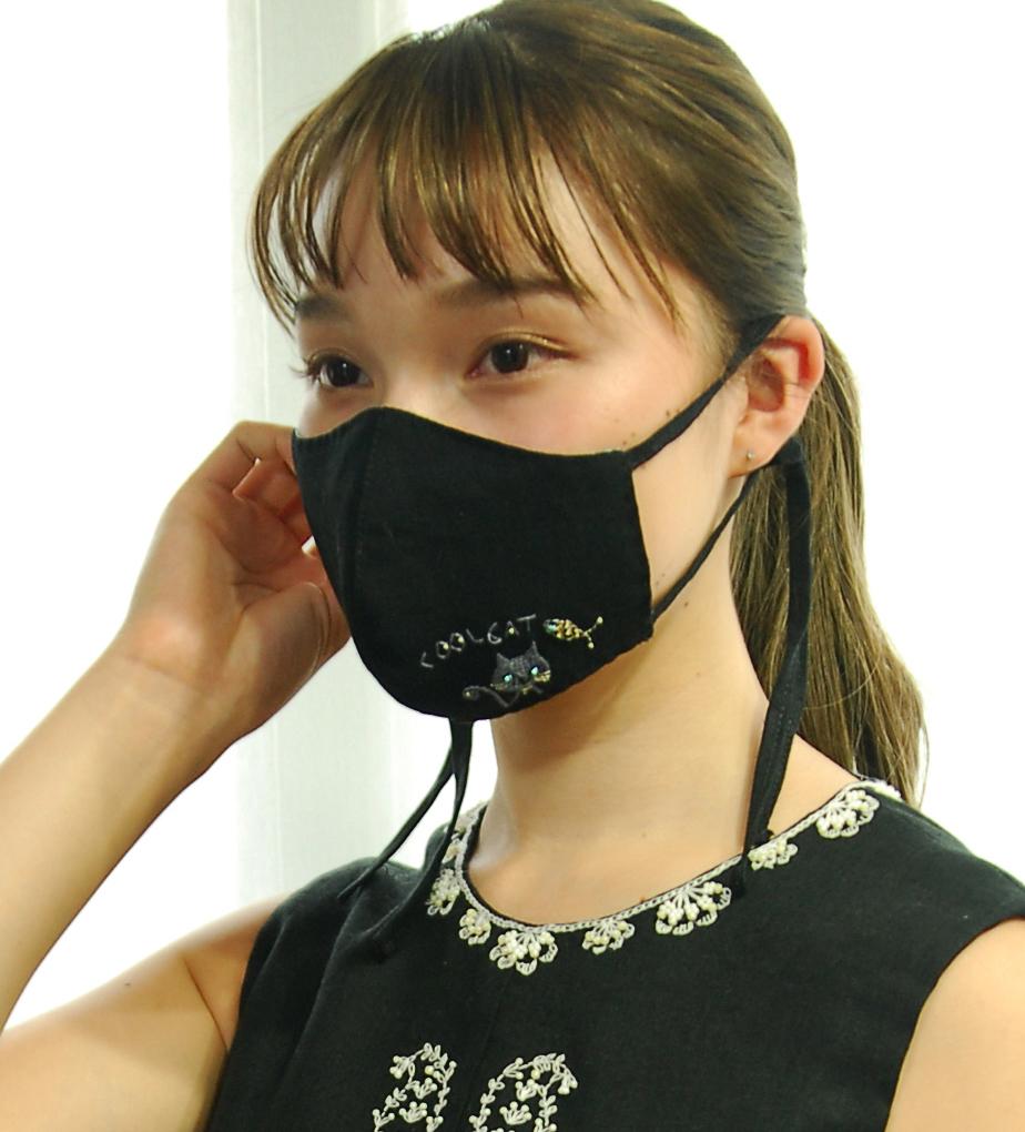 黒マスク-M-引き斜め調整s