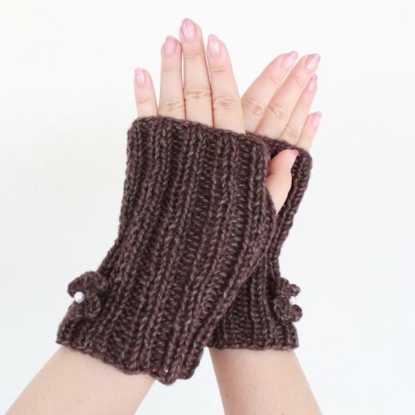 棒針編みハンドウォーマーの編み物キットパールつき