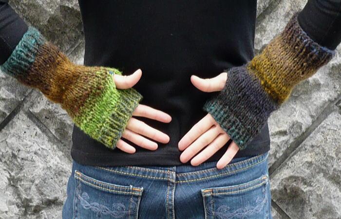 野呂英作くれよんハンドウォーマーの編み物キット1玉で編める