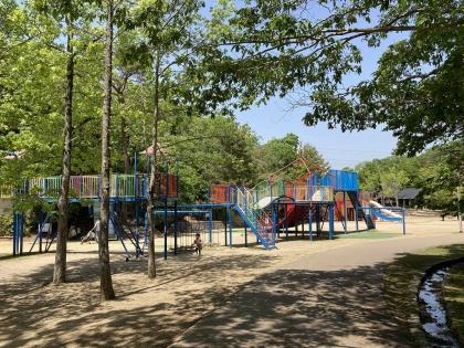 公園の遊技場