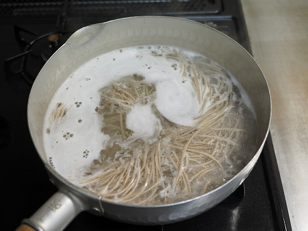 サバ納豆蕎麦の大根おろし味022