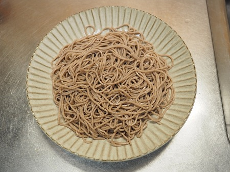 サバ納豆蕎麦の大根おろし味043