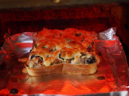 サバ納豆ピザトースト026