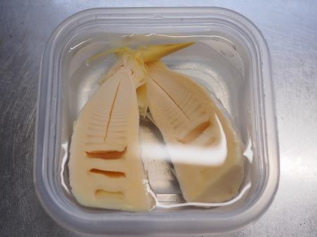 サバ缶と新筍の生姜煮023