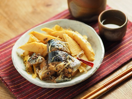 サバ缶と新筍の生姜煮019
