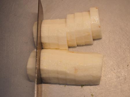 サバ缶と長芋のフライパン焼き036