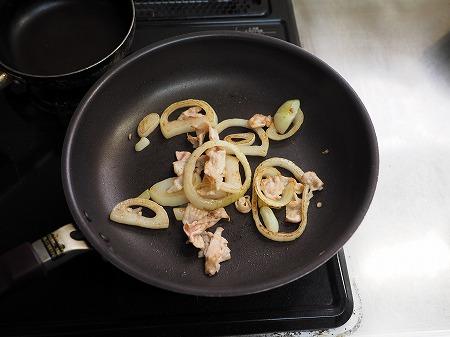 焼き新玉ねぎの卵丼036