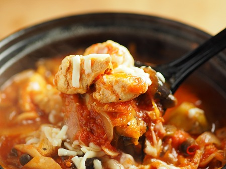 鶏むね肉と茄子のトマト鍋025